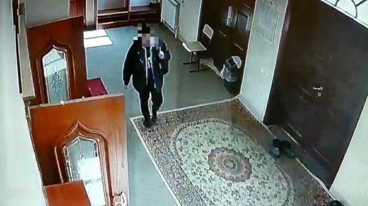 Алматы облысында мешіттегі садақа жәшіктерін ұрлап дәніккен жігіт ұсталды