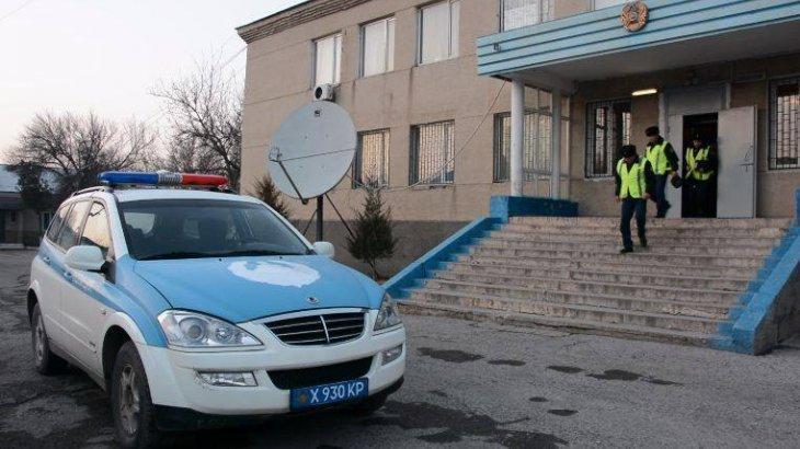 Түркістандық полицейлер жұмыс орнынан бірнеше аккумулятор ұрлаған жүргізушіні ұстады