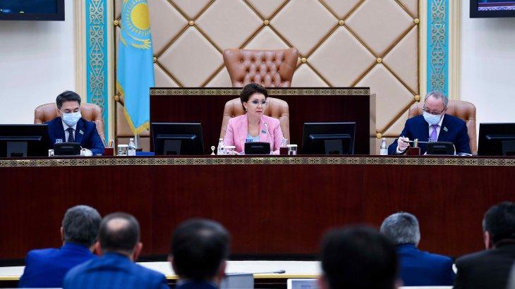Сенат халықтың әлеуметтік әл-ауқатын арттыруға мүмкіндік беретін үш заң қабылдады