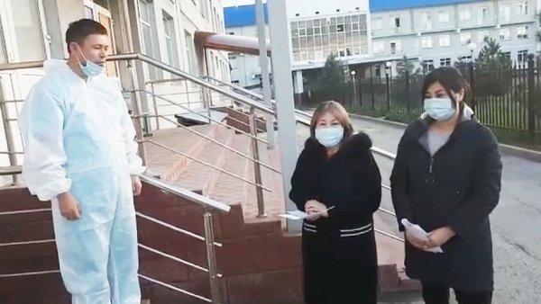 Алматы облысында коронавирус жұқтырған жүкті әйел 3 баласымен жазылып шықты