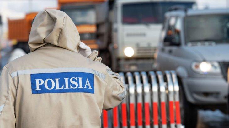 «Қазақпыз ғой, өткізе салшы»: полиция қызметкері блок-бекеттегі қазіргі жағдайды баяндап берді