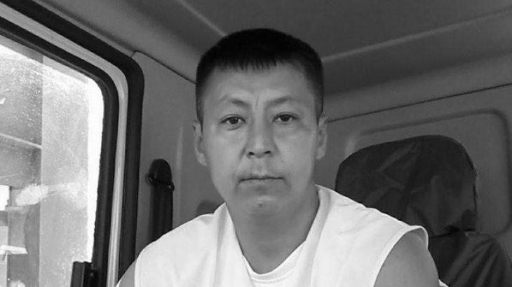 «Өтірік айтуды доғарыңыз!»: танымал адвокат Дулат Ағаділдің әйелімен жұмыс істеуден бас тартты