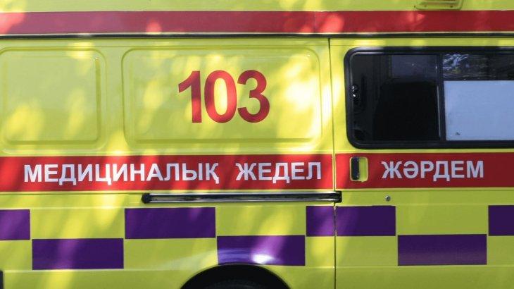 Атырау-Астрахан тасжолында жедел жәрдем көлігі апатқа ұшырап, бірнеше адам көз жұмды