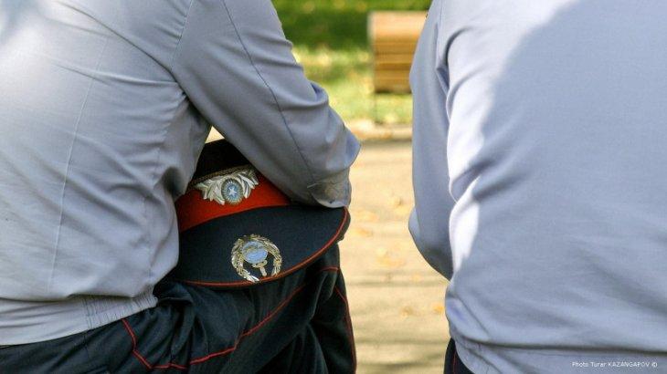 Жаппай төбелес кезінде 17 жастағы жігітті ұрып-соққан күдіктіге іздеу жарияланды
