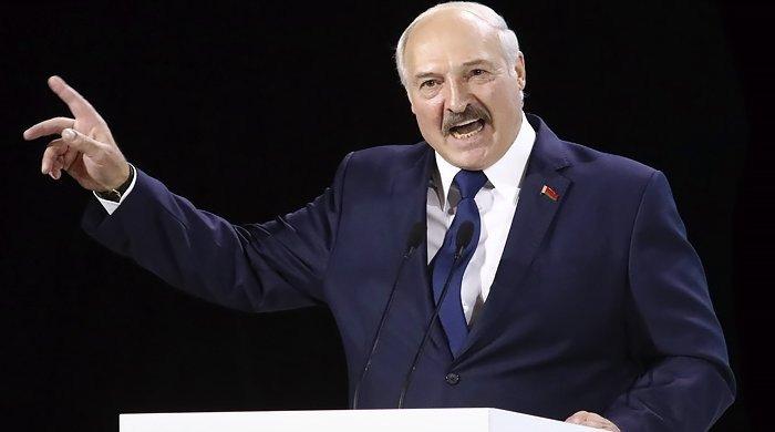 «Ешқандай революция болмайды»: Батьканың үкіметі доғарысқа кетті