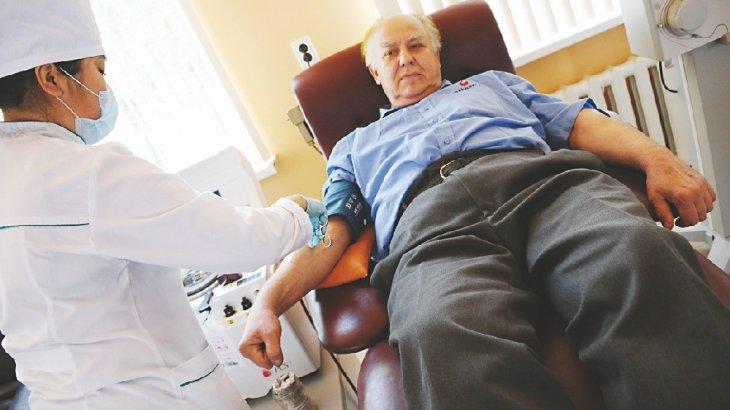 47 жыл бойы қан тапсырған: алматылық донор әлем бойынша екінші орында тұр