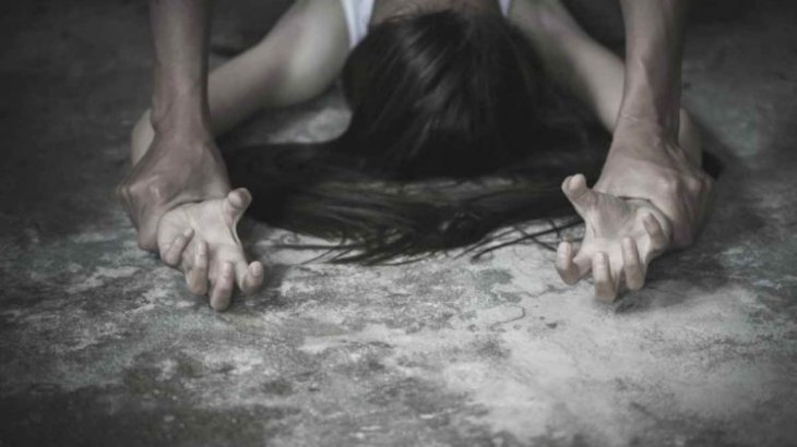 «Сөйлей алмайтын қарындасын зорлады» деп айыпталған ер адамға қатысты сот үкімі шықты