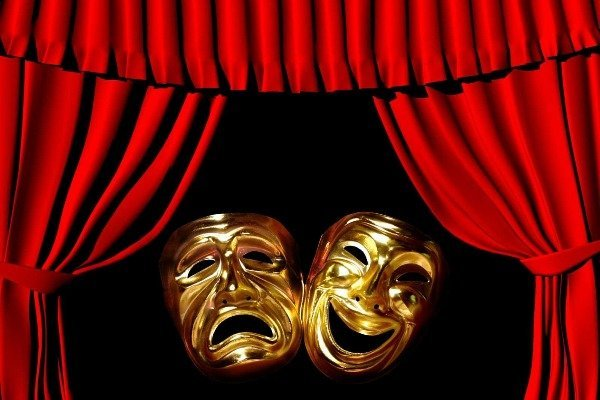 Ашық хат: өнер қайраткерлері тәжік режиссерінің «қазақ театры құриды» деген сөзіне қапалы