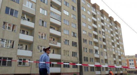 «Қорқынышты»: Алматыда тұрғын үйлер қисайып, қабырғаларындағы сызаттар ұлғаюда