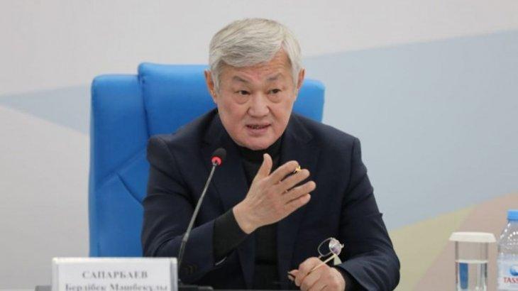 «Сіз президентке шағым жаздыңыз, әрекетіңіз заңға қайшы»: Сапарбаев ауыл әкіміне ескерту жасады
