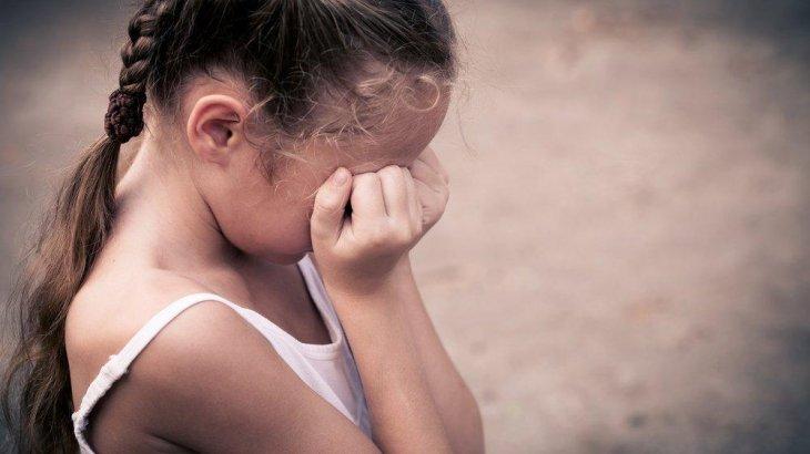 «Педофилдерге тек өлім жазасы берілсін!» - 6 жасында зорланған заңгердің жанайқайы (ФОТО)
