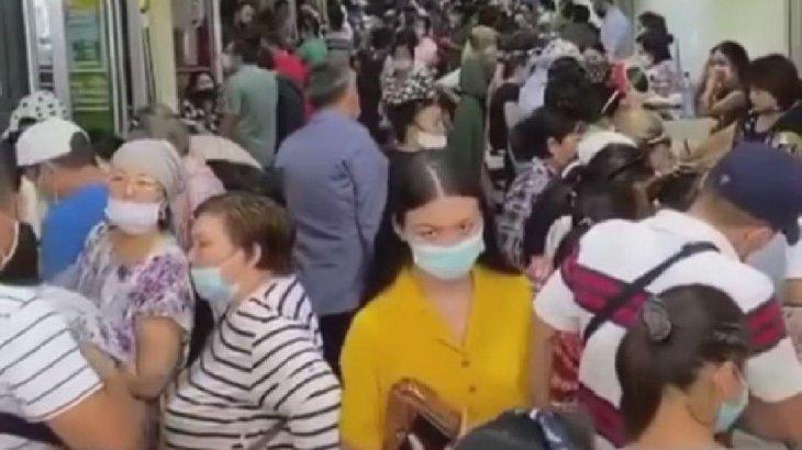 Карантин: Алматыдағы «барахолкада» тұтынушылар өріп жүр (ВИДЕО)