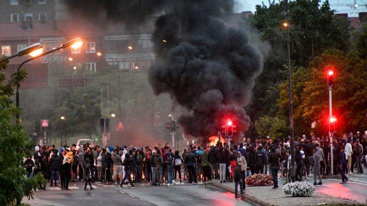 Швецияда Құран өртеудің соңы жаппай тәртіпсіздікке ұласты
