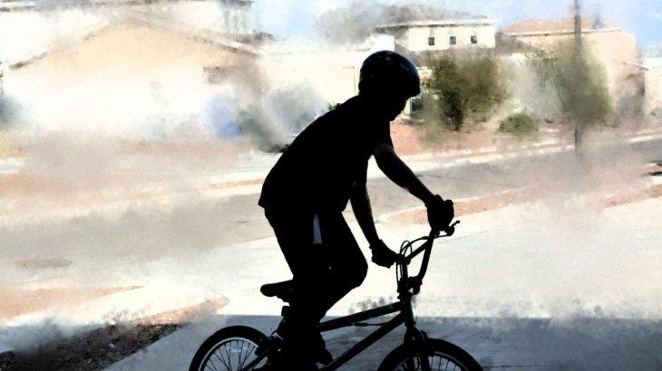 ШҚО-да аулада велосипед теуіп жүрген 7 жасар бала жоғалып кеткен