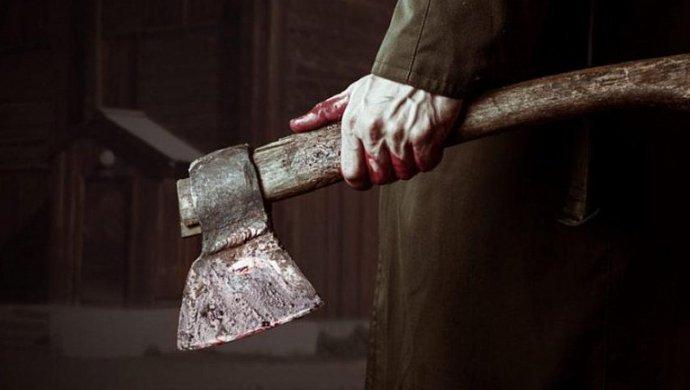 «Жын кіріп кеткен»: ер адам анасының басын шауып тастады (ФОТО)