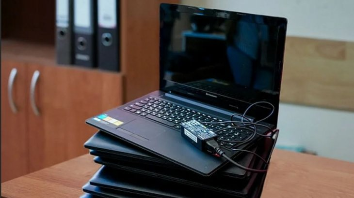 Кейбір ата-аналар оқушыларға берілген ноутбуктарды сатуға көшкен