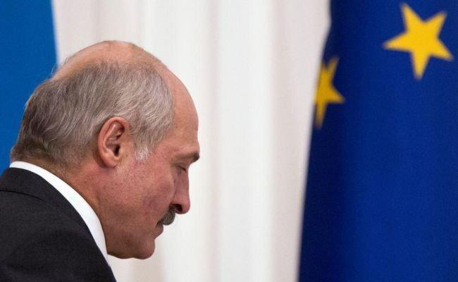 АҚШ пен Еуропа елдері Лукашенконы заңды президент деп танудан бас тартатындарын мәлімдеді