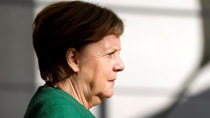 «Меркель жасырын түрде барып, Навальныйдың халін сұрап қайтқан» - шетелдік БАҚ