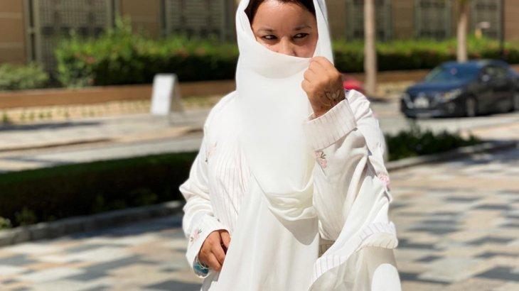 «Арабтар сендерді басып озған»: белгілі заңгер араб дәстүрімен никаб киімін киді