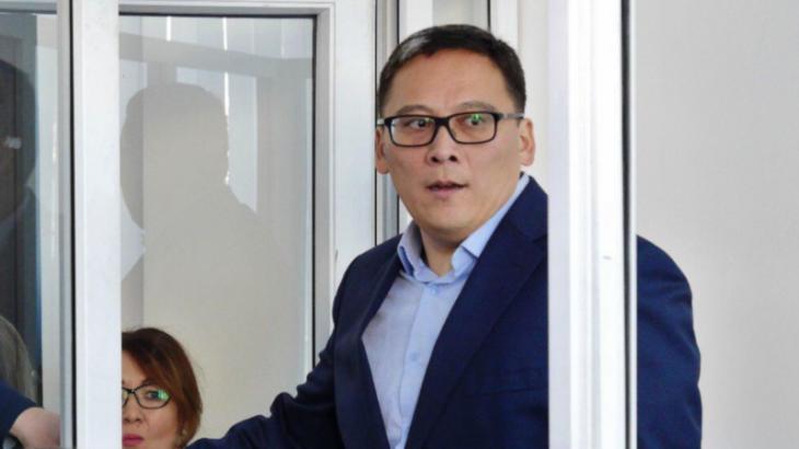 1.7 миллион теңге жымқырған ХАТУ экс-ректоры сотталды