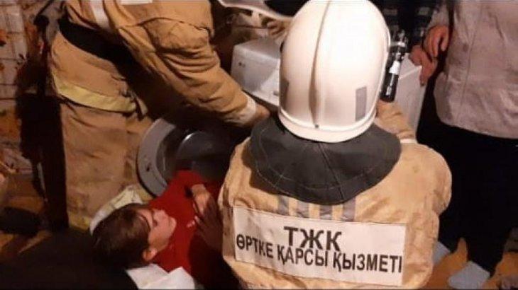 ШҚО-да 10 жастағы қыз кір машинаның ішіне кілттеніп қалды