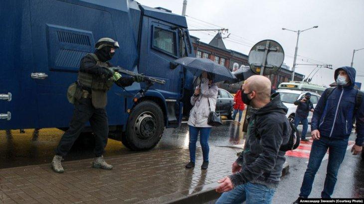 «Беларуссия билігі шерушілерге қарсы адам өлтіретін қару қолдануға рұқсат етті» - BBC