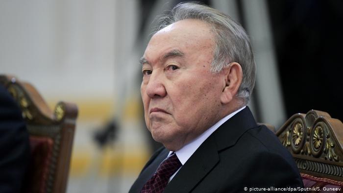 Назарбаев «Nur Otan» Саяси кеңесінің бюросын шақыру туралы қаулыға қол қойды