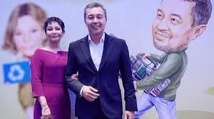 Ақан Сатаев әйелімен ажырасып кетті