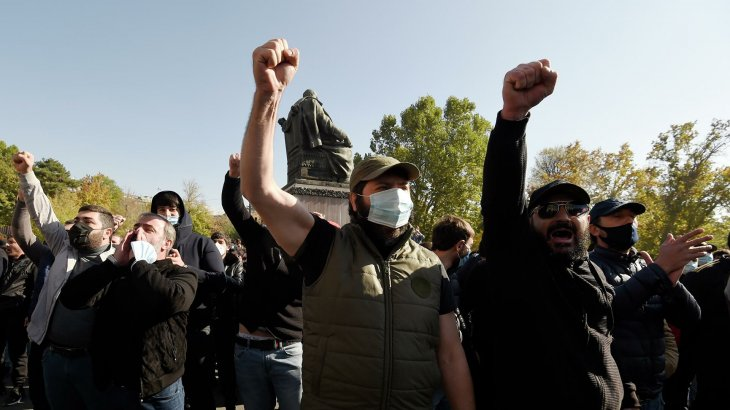 Ереванда халық премьер-министр Пашинянның отставкасын талап етіп жатыр