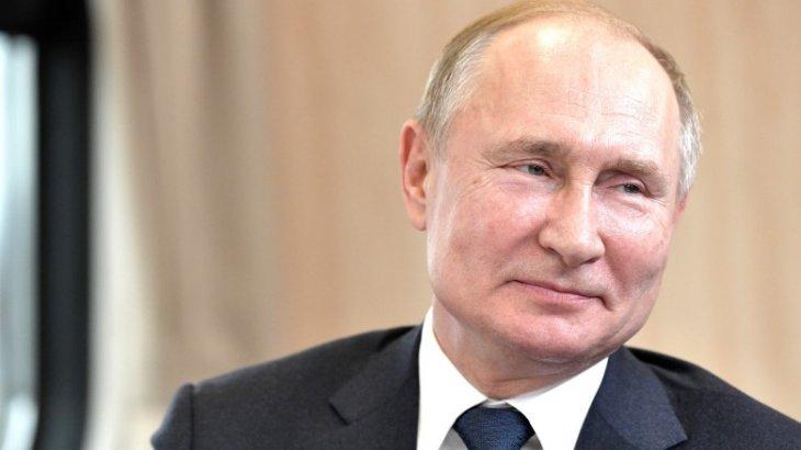 Путин Байденді неге құттықтамағанын айтты