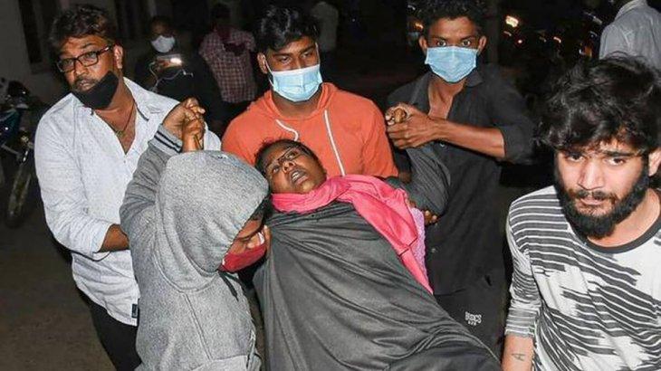 Үндістанда жүздеген адам белгісіз аурумен ауырып жатыр, қайтыс болғандар бар