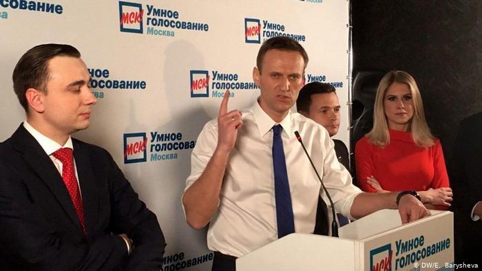 Навальныйдың жақтастары да елден қаша бастады