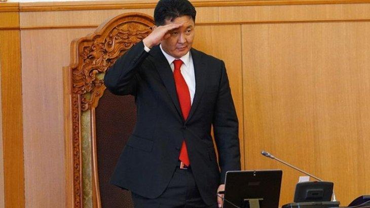 Моңғолия үкіметі жаңа босанған ананың коронавирус жұқтыруына байланысты отставкаға кетті