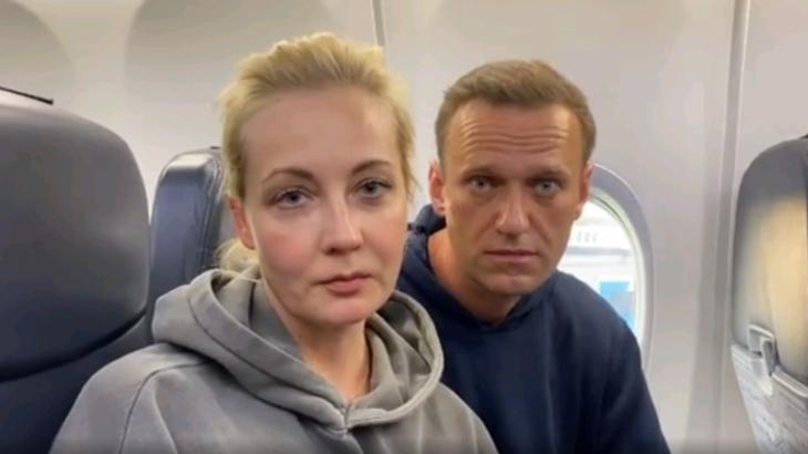 Навальныйдың әйелі Германияға ұшып кетті