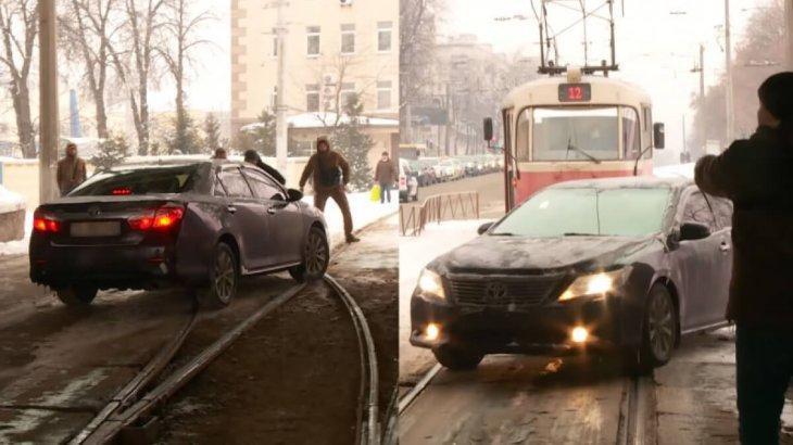«Киевте жол ережесін бұзған қазақстандық дипломат тәртіптік жазаға тартылады» – СІМ