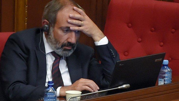 Армения Қарулы күштері Пашинянның отставкаға кетуін талап етіп жатыр