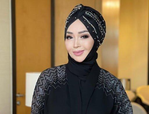 Айнұр Тұрсынбаева хиджабтағы қыздардың құқығын қорғап, Президентке үндеу жолдады