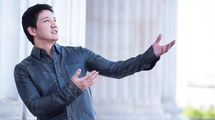 «Протоколдардың шаңын сүртіп қою керек»: әнші Айқын шектеуге қарамастан концерт өткізбек (ВИДЕО)
