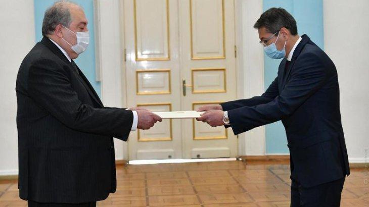 ҚР елшісі Армения президентіне сенім грамоталарын тапсырды