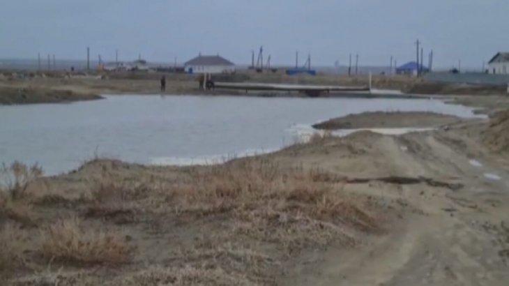 Атырау облысында өзен тасып, көпірлерді су шайып кетті