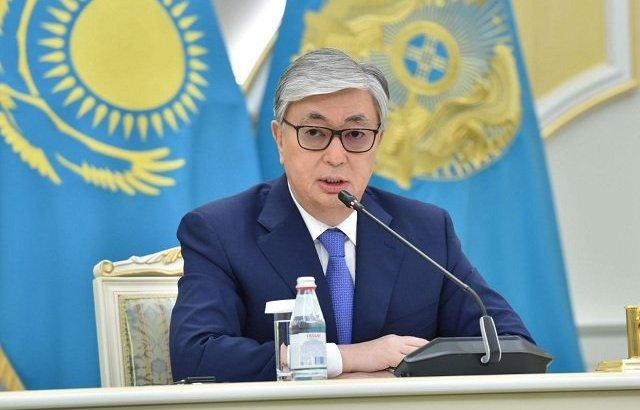 Мемлекет басшысы вакцинаға байланысты үкіметтің жұмысын сынға алды
