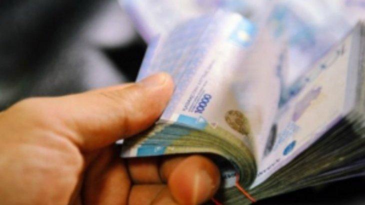 100 мың доллар пара алған: Жамбылдық шенеунік күдікке ілінді