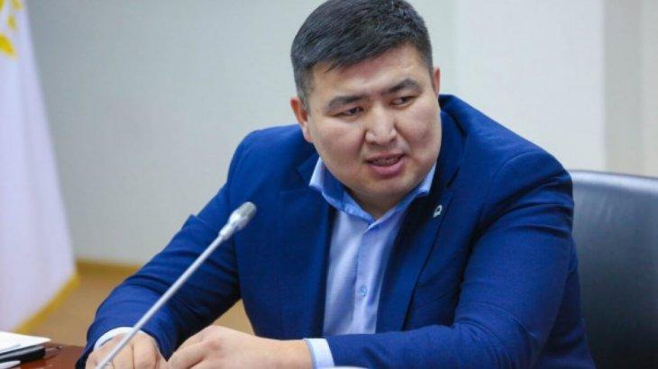 «Жанболат, кел!»: депутат Бейсембаев Мамайды дебатқа шақырды
