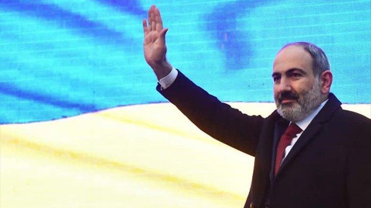 Армения премьер-министріНикол Пашинян отставкаға кетті