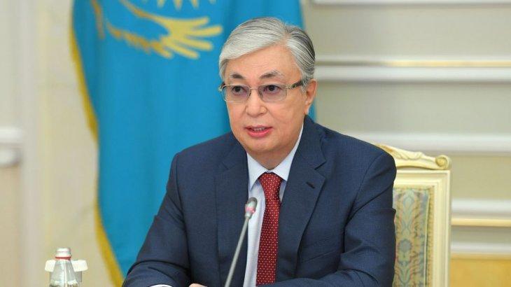 «Көмек көрсетуге әзірміз»: Тоқаев Қырғызстан президентімен сөйлесті