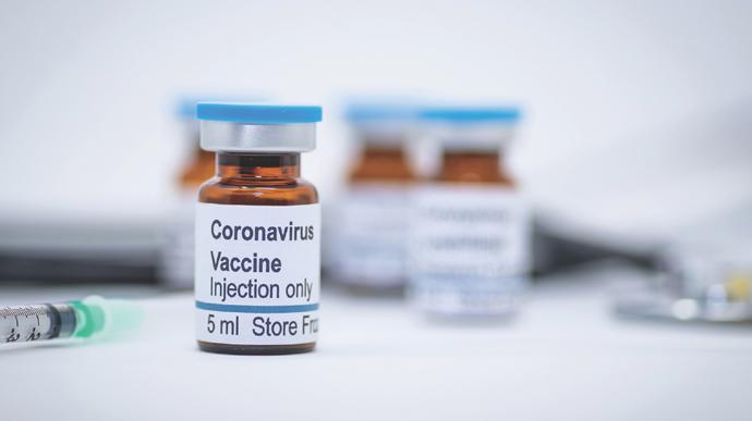 Вакцинаның екі емес, енді үшінші дозасы салынбақ