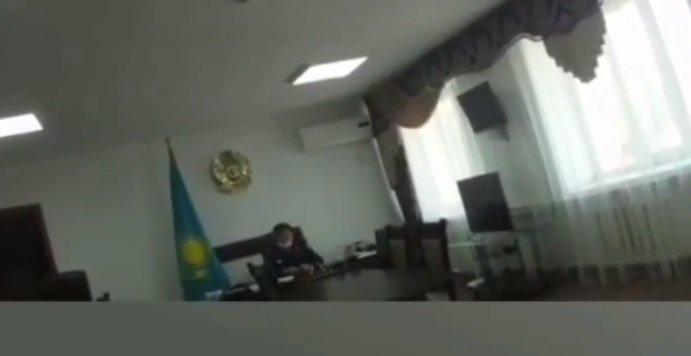 «Убери нах...»: Алматыда полиция бастығы шулы видеодан кейін қызметінен қуылды