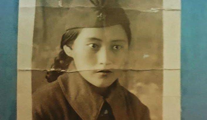 Еш жерде жарияланбаған: Әлия Молдағұлованың 17 жастағы ФОТОсы табылды