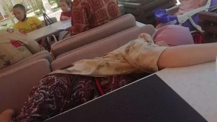 «56 минут күткен»: Түркістанда қала қонағы шайды тосып отырып ұйықтап қалған