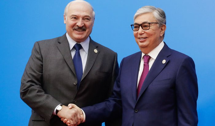 Александр Лукашенко Тоқаевқа ренжіп қалыпты